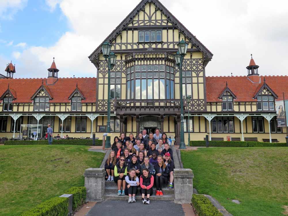 New-Zealand_Rotorua-Museum_Netball_1