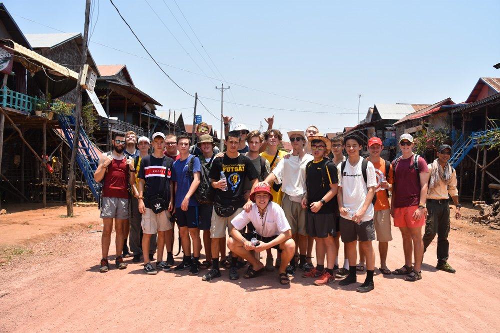 rongotai_historygeo_cambodia_floatingvillage_47