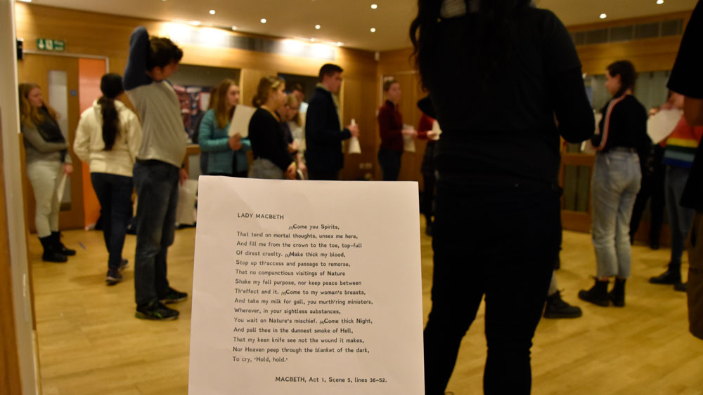 Shakespeare globe theatre student tours