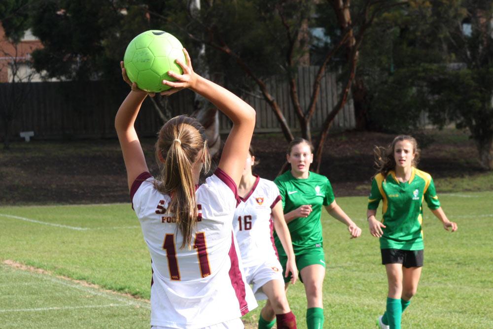 Australia_Melbourne_Football-School-Tour_6