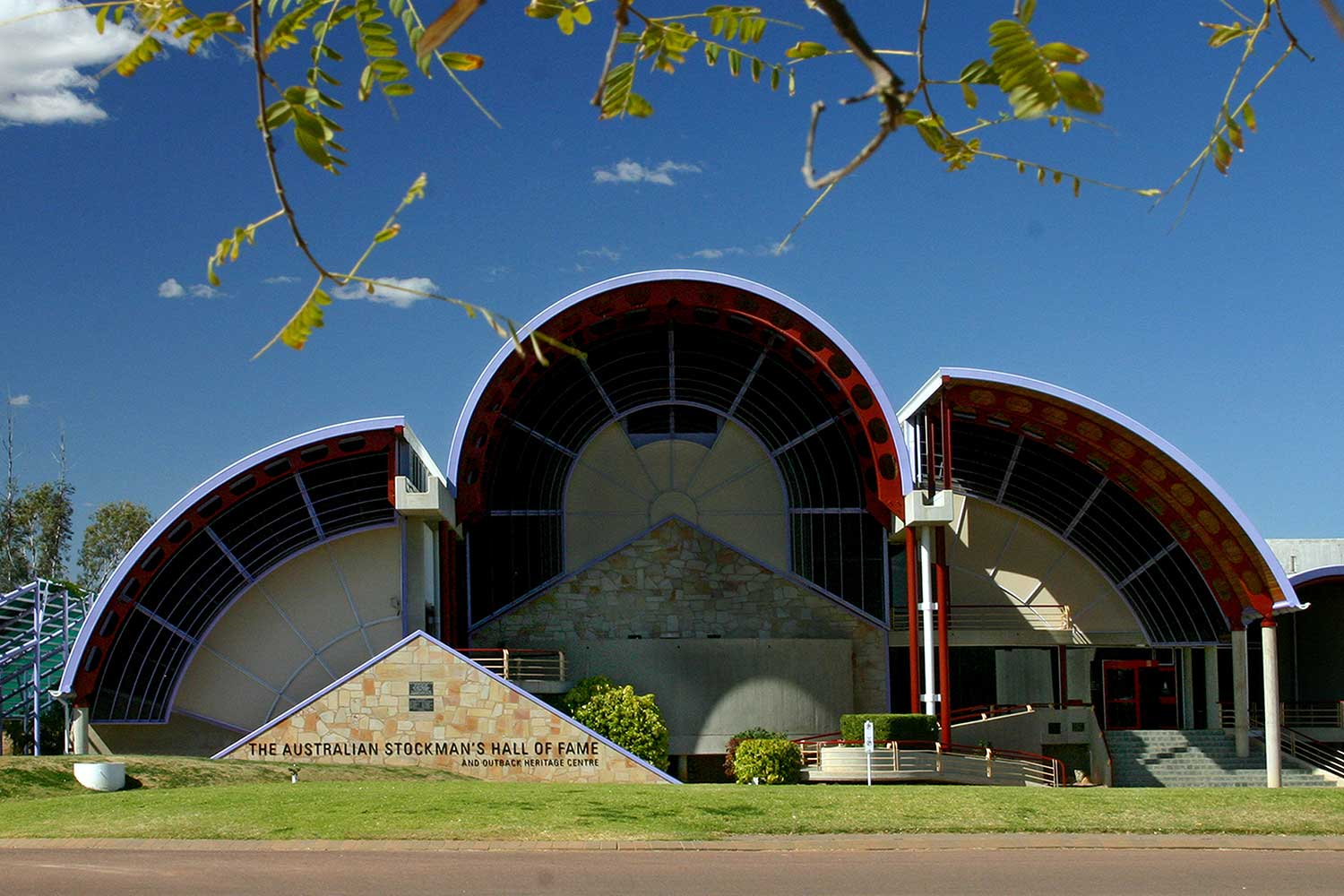 Longreach_Stockmans-hall-of-fame